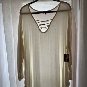 NWT Ivory Long Sleeve Shirt With Detailing Size 3X